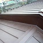 江戸川区T様 雨漏り修理~ガルバリウム鋼板タテ平葺き、屋根葺き替え工事施工事例~雨漏り・屋根修理・屋根葺き替えなら市川ルーフ㈱マルゼン工業(市川市|江戸川区|葛飾区)にご相談下さい
